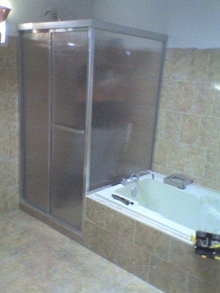 Puertas para ba o de fibra de vidrio for Tipos de duchas para banos